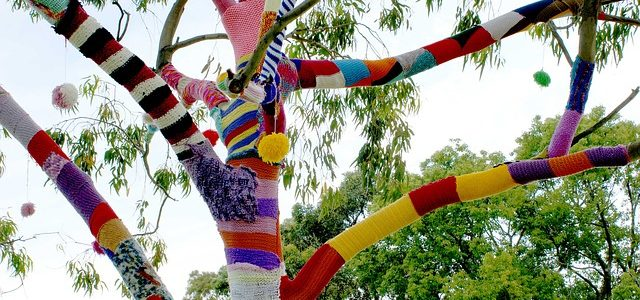 yarn bombing (image pixabay)